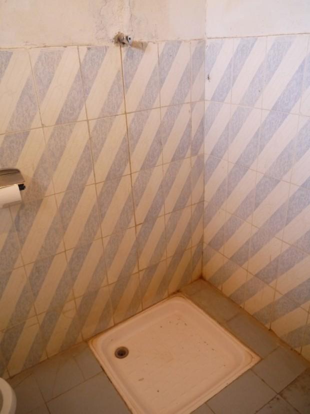 langano resort hotel shower