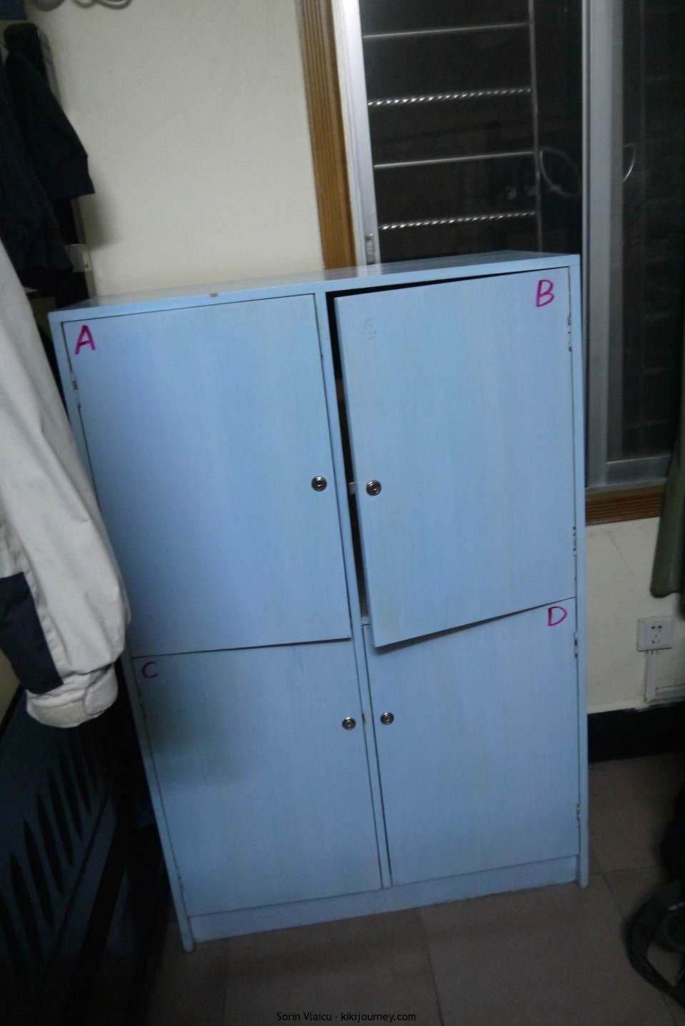 Wada Hostel - the lockers