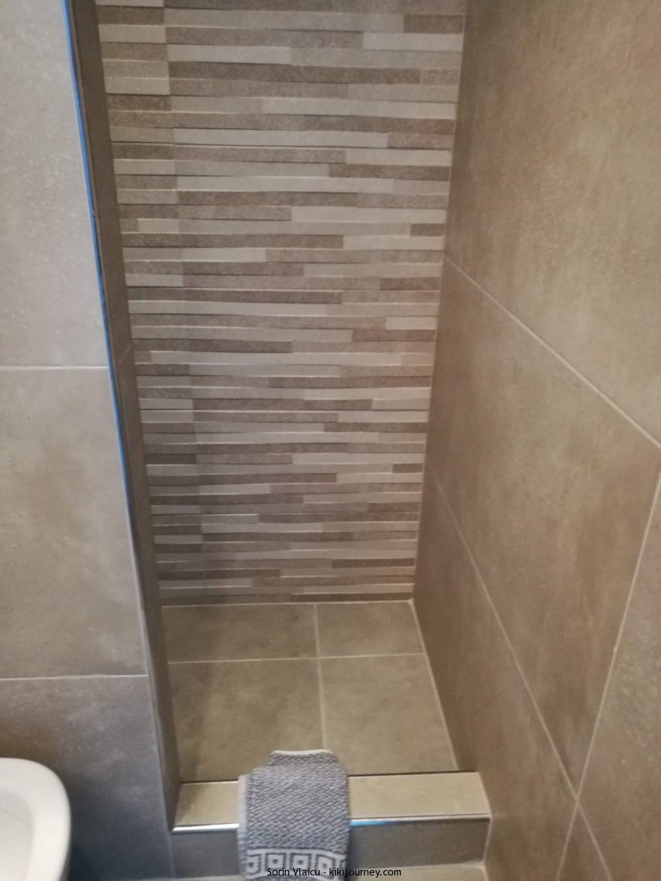 Shower Santorini