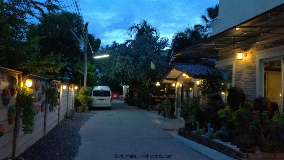 Alley-Thong-Ta-Resort-Suvarnabhumi