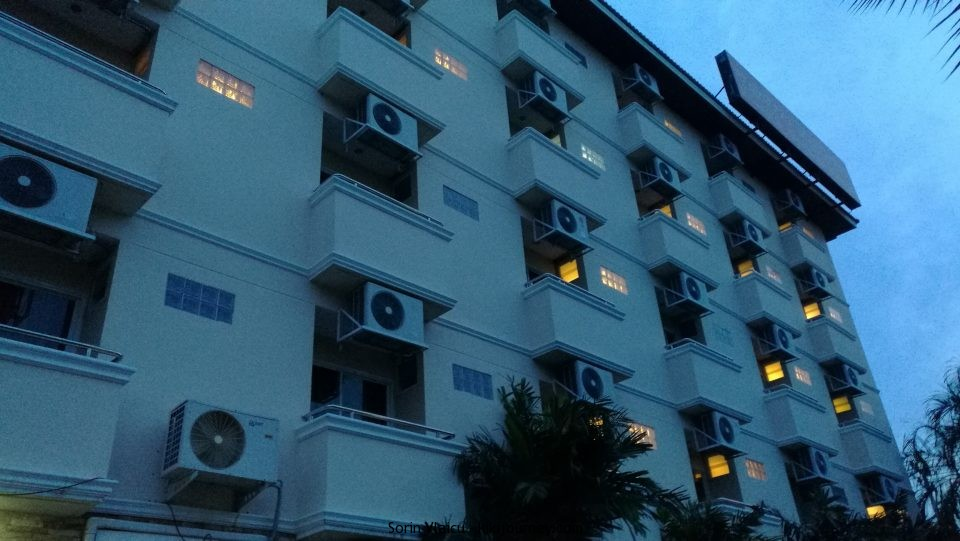 Main Buiding at Thong Ta Resort Suvarnabhumi.