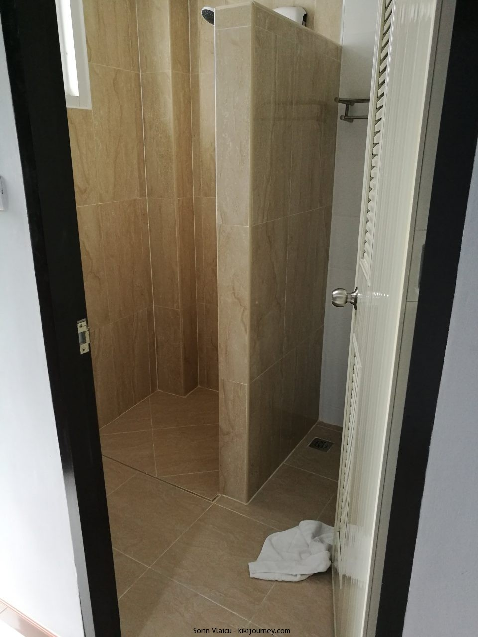 s44room bathroom