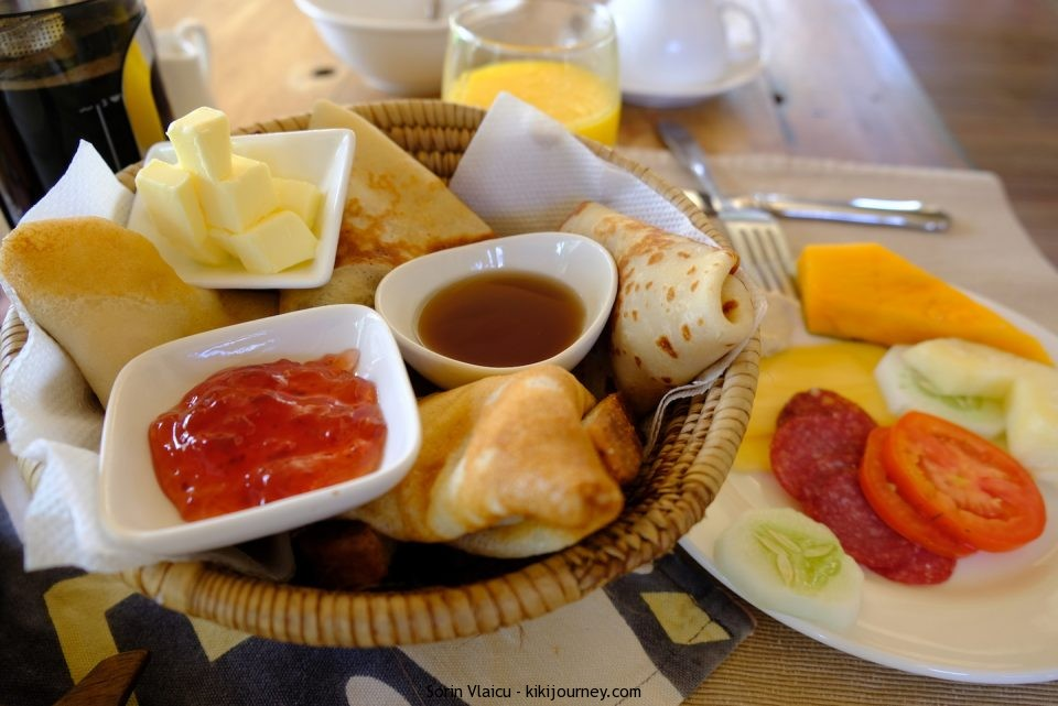 Breakfast Clove Island