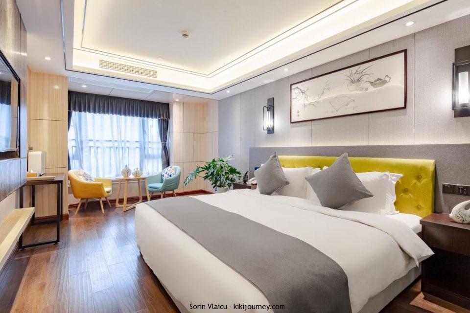 Four Seasons To Shu Hotel