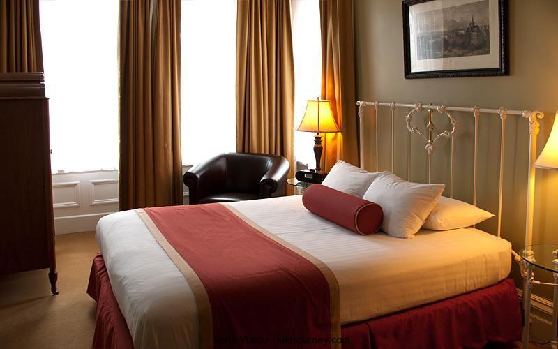 gay hotels pittsburgh