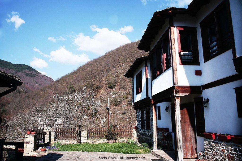Complex Kosovo Houses