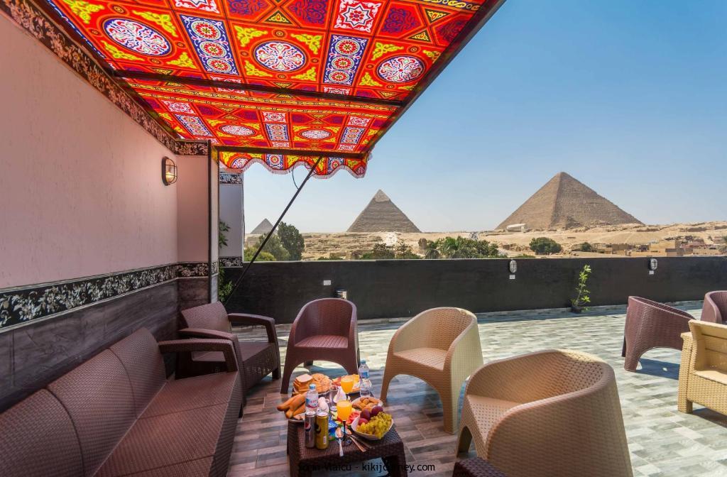 Panorama Pyramids Inn